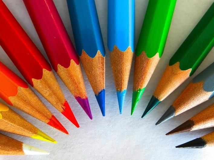 colour-pencils-450621_1920